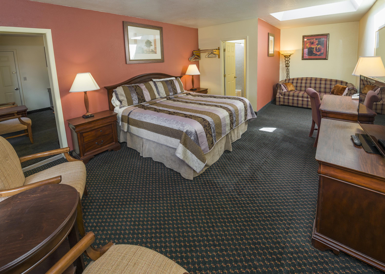 Two Bedroom Cabin Rainbow Lodge And Inn